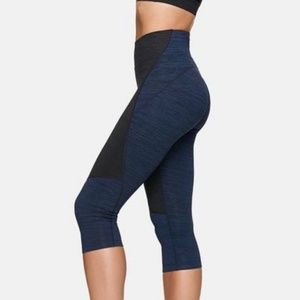 Outdoor Voices Two Tone Knee Crop Workout Leggings